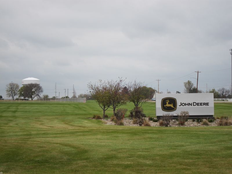 Des Moines Works Sign